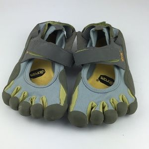 Vibram Gray Five Fingers Outdoor Shoes Size W39